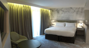 DoubleTree by Hilton Chester - bedroom